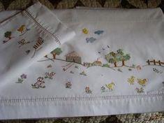 c8528f1b7 feitoamao: Lençol de berço bordado a mão Fazendinha Lençol De Malha, Lençol  Infantil,