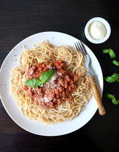 Spagetti med vegetarbolognese - LINDASTUHAUG
