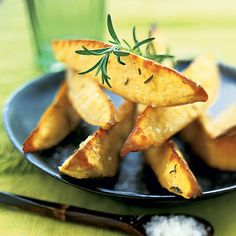 French fries and potato wedges are often a guilty pleasure, but what if we could enjoy them without the guilt? Check out Food of the Week: Sweet Potatoes for an Oven Roasted Sweet Potato Wedges recipe. Plus, more benefits of eating sweet potatoes! Sweet Potato Recipes Healthy, Vegetable Recipes, Vegetarian Recipes, Cooking Recipes, Healthy Recipes, Weekly Recipes, Potato Wedges Recipe, Sweet Potato Wedges, Healthy Sides