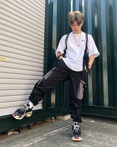 Men's trends clothing collection. #urbanmensfashion Urban Fashion Girls, Boy Fashion, Denim Fashion, Korean Fashion, Winter Fashion, Fashion Outfits, Fashion Shoot, Fashion Design, Male Outfits