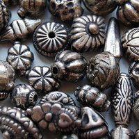 Janet Sanders, Lelu Metalcraft artisan by St. Louis Public Radio on SoundCloud. Photo courtesy of Danielle Keller: commons.wikimedia.org/wiki/User:Danielle_dk/gallery. #metal #beads #jewelry #stlouis #statues