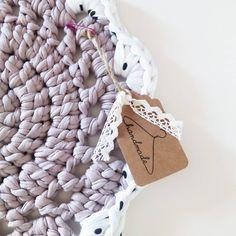 Handmade ❤ #DIY #trapillo #hmf2015 #barcelona #hazlotumismo #doityourself #trapilho #crochet #handmade #hechoamano #fetamà #bigganxet #ganxetxl #ganxet #crocheting  #tshirtyarn #ganchillo #ganchilloxl #blog #tutorial #diymania #crochetxl #salvamantel #salvamanteles #deco #decoración #home #sweet #instracrochet