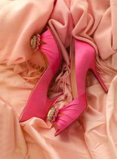 think pink heels Pink Love, Cute Pink, Pretty In Pink, Perfect Pink, Bright Pink, Pink Wedding Shoes, Bridal Shoes, Pink Heels, High Heels