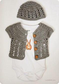 Ideas for crochet baby cardigan free pattern girls buttons Crochet Girls, Crochet Baby Clothes, Love Crochet, Crochet For Kids, Knit Crochet, Crochet Cardigan, Crochet Baby Cardigan Free Pattern, Crochet Jacket, Crochet Children