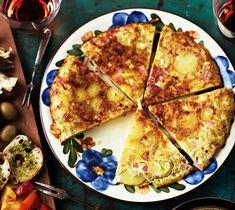 Espanjalainen tortilla eli perunamunakas | Arjen nopeat, Välipalat | Kodin Kuvalehti Pizza, Cheese, Food, Essen, Meals, Yemek, Eten