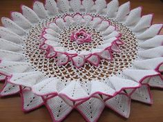 "Free pattern with charts for this ""10 Pleat Repeat Doily""...Amazing!"