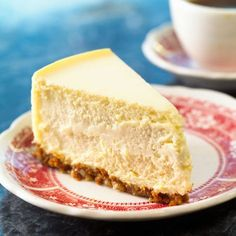 Get back to the building blocks of homemade desserts with Classic No Bake Cheesecake. Smooth and delicious, this creamy concoction is a simple alternative to more complicated cheesecake recipes. Greek Yogurt Cheesecake, White Chocolate Cheesecake, Greek Yogurt Recipes, Best Cheesecake, Homemade Cheesecake, Eggnog Cheesecake, Classic Cheesecake, Italian Cheesecake, Healthy Recipes