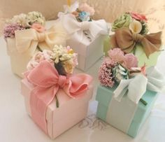 Flower Bouquet Favor Boxes (Complete with Candy or Tea) by FavorIdeas