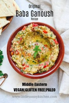 Baba Ganoush is a Middle Eastern vegan aubergine/eggplant dip that not only tastes great but also has a lovely texture that you will fall in love with! via de vinete Easy Baba Ganoush Recipe - Little Sunny Kitchen Best Baba Ganoush Recipe, Baba Ganoush Recipe Without Tahini, Baba Ganosh Recipe, Healthy Appetizers, Appetizer Recipes, Healthy Snacks, Dinner Healthy, Sauce Spaghetti, Salads