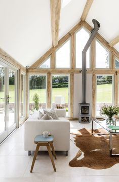 Border Oak vaulted ceiling in garden room Cottage Extension, House Extension Design, Kitchen Garden Extension, Glass Extension, Garden Room Extensions, House Extensions, Barn Conversion Interiors, Barn House Conversion, Barn Conversions