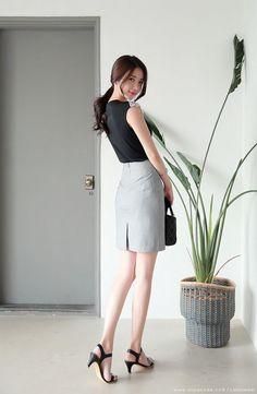 Romantic & Trendy Looks, Styleonme Fashion Models, Girl Fashion, Womens Fashion, Fashion Design, Asian Woman, Asian Girl, Female Poses, Korean Model, Asian Fashion