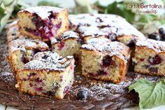 Prepariamo la Torta Bertolina, un dolce di origine cremonese così soffice e deliziosamente autunnale che è impossibile resistere all'assaggio.
