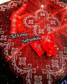 Christmas Cross, Christmas Bulbs, Diy And Crafts, Cross Stitch, Holiday Decor, Cross Stitch Embroidery, Silk, Navidad, Amigurumi
