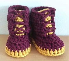 Easy to Crochet Baby Booties Pattern Tutorials - Crochet Patterns Crochet Ideas, Free Crochet, Knit Crochet, Crochet Patterns, Crochet Baby Booties Tutorial, Knit Baby Shoes, Baby Knitting, Crocheting, Delicate