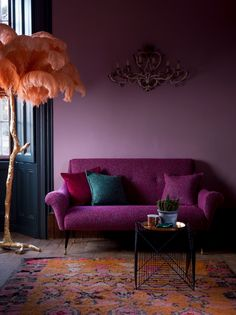 Lilac Wall: Design Ideas for aunderestimated colour. Lilac Wall: Design Ideas for aunderestimated colour. Interior Decoration Trends … Lilac Wall: Design Ideas for aunderestimated colour. Purple Rooms, Purple Walls, Plum Walls, Burgundy Walls, Deco Design, Wall Design, Funky Design, Sofa Design, Modern Design