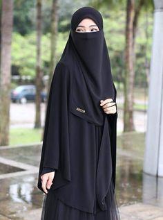 Moslem Fashion, Niqab Fashion, Muslim Women Fashion, Islamic Fashion, Beautiful Muslim Women, Beautiful Hijab, Hijabi Girl, Girl Hijab, Arab Girls Hijab