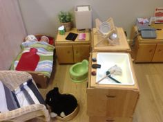 Home corner for dramatic play love the addition of a potty Play Corner, Corner House, Kitchen Corner, Dramatic Play Area, Dramatic Play Centers, Reggio Emilia, Home Corner Ideas Early Years, Kids Play Spaces, Role Play Areas