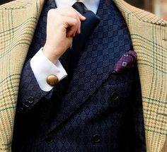"passaggiocravatte - ""  @monsieur_bespoke IS MY NEW MEGAZINE BESPOKE-LIFESTYLE www.monsieurbespoke.com Bespoke vintage coat and suit by Mimmo Pirozzi via Chiaia 197 Naples. #reverso #jlc #savilerow #dandystyle #monsieurbespoke #therake #therakemagazine #edwardgreen #johnlobb #gazianogirling  #ringjacket  #tagforlikes #milan #italianstyle #menswear #carmina #carminashoemaker #rolex #drakes #drakeslondon #gazianogirling #berluti #saintcrispins #foxumbrellas  """