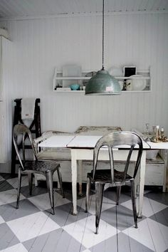 Eating space: vintage/industrial, white