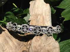 Made to your horses size by Oko Konia artist, Brooke Pape!    Lovely rhinestone lace on padded leather in your choice of black or havanna.