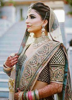 Indian bride Indian Wedding Gowns, Indian Bridal Outfits, Indian Bridal Hairstyles, Indian Bridal Fashion, Indian Bridal Wear, Indian Wear, Bridal Dresses, Indian Saris, Lehenga Wedding