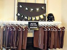 Star Wars Party, love the brown Jedi outfits