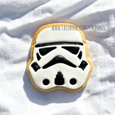 Hey, I found this really awesome Etsy listing at https://www.etsy.com/listing/262162078/star-wars-storm-trooper-decorated-sugar