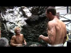 Behind the scenes clip of 'Spartacus: Blood and Sand' stars Andy Whitfield and Jai Courtney prepping for a scene. Gave me the giggles watching this. =]