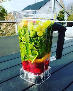 #grünersmoothie #essen #ernährung #juice #vegetables #Rohkost #mix #roh #grün #lifestyle #spinat #frühstück #gesund #happyday #fitness #eat #gesundheit #fit #greendrink by david_piet
