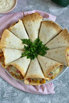 Brunch Recipes, Appetizer Recipes, Mini Tortillas, Cooking Recipes, Healthy Recipes, Food Obsession, Food Decoration, Comfort Food, Appetisers
