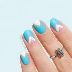 Pastel Negative space nails, elegant and quick  HOW-TO  section 'Tutorials' on SoNailicious.com or link in bio T-bar ring  @sonailicious_boutique #sonailiciousdesign #tbt