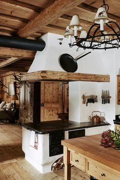 What We Loved This Week - An Alpine chalet that captures cabin living at its ve. What We Loved This Week - An Alpine chalet that captures cabin living at its very best. Chalet Design, Chalet Style, Küchen Design, House Design, Interior Design, Rustic Kitchen, Kitchen Decor, Kitchen Ideas, Design Kitchen