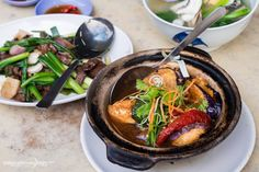 Kok Sen Restaurant is one of the best places to eat zi char in Singapore. Don't miss the beef with spring onions, and their famous claypot yong tau foo.