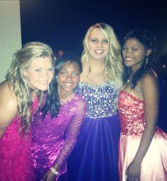 Prom dress , hair , girl , friends , beautiful ♡