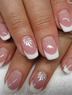 Keeping up with nail art trends can be overwhelming. Here are the top seven timeless nails design of all time. French Nail Art, French Nail Designs, Best Nail Art Designs, French Manicure Nails, French Tip Nails, Nagellack Trends, Floral Nail Art, Hot Nails, Types Of Nails