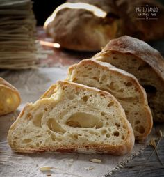 Matera bread with mother yeast Homemade Ciabatta Bread, Easy Bruschetta Recipe, My Favorite Food, Favorite Recipes, The Fresh Loaf, Bite Size Food, Pan Dulce, Polenta, Pasta
