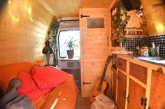 Man quits job to convert old van into a cozy solar-powered mobile cabin