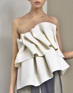 Structural Ruffles - sculpted fabric textures; dimensional details in fashion…