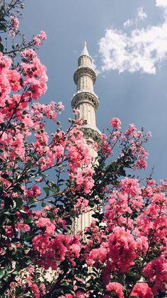 Islamic Wallpaper Iphone, Mecca Wallpaper, Quran Wallpaper, Iphone Background Wallpaper, Aesthetic Pastel Wallpaper, Aesthetic Wallpapers, Mekka Islam, Mosque Architecture, Islamic Posters