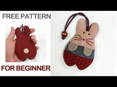 Quilted Foundation for beginners, key holder Create, Keyholder Free Pattern,Hand quilt Fabric Manipulation Tutorial, Animal Gato, Fabric Ornaments, Key Pouch, Wallet Tutorial, Easy Sewing Projects, Hand Quilting, Needlework, Free Pattern