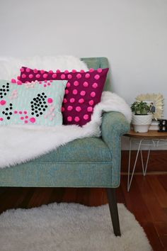 These delightful DIY pom-pom embellished pillows are ready to party! Silver Pillows, White Decorative Pillows, Decorative Pillow Cases, Diy Pillows, Couch Pillows, Throw Pillows, Easter Colors, Decoration, Bunt