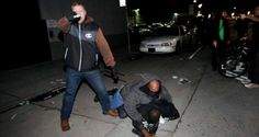 Bearing ArmsSELF-DEFENSE IN OAKLAND: Undercover Cop Pulls Gun On Protesters After Attack - Bearing Arms