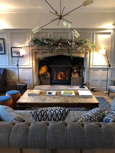 Travel // Christmas in the Cotswolds and a stay at The Painswick - Roses and Rolltops Cottage Living Rooms, Cottage Interiors, Home Living Room, Living Room Designs, Living Room Decor, Cotswold Cottage Interior, Christmas Lounge, Christmas Design, Country Lounge