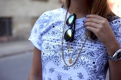Laura from the danish blog Stylejunkie.dk with the Hamsa Hand pendal.