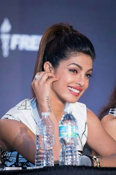 Priyanka Chopra Indian Celebrities, Bollywood Celebrities, Beautiful Celebrities, Priyanka Chopra, Bollywood Saree, Bollywood Actress, Indian Bridal Makeup, Beautiful Indian Actress, India Beauty