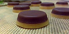 Occasionally Homemade: Low Carb Chocolate Peanut Butter Cups