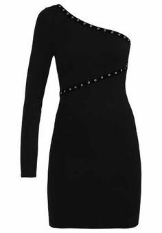 Los Vestidos Ligeros Se Convierten En La Mejor Opción Los vestidos ligeros se convierten en la mejor opción con la llegada de las buenas temperaturas ya qu