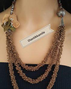 SATILDI  #NATUREL #beautiful #istanbul #istanbullovers #photo #montreal #antik #otantik #osmanlı #etnikesintiler #art #artbyayse #kristal #kurdela #fashion #jewellery #fasionista #newyork #fethiye #cesme #muğla #izmir #fotografheryerde #turkey #izmir Diy Jewelry Tutorials, Emerald Necklace, Beaded Ornaments, Micro Macrame, Sammy Dress, Collars, Knit Crochet, Jewelery, Chain