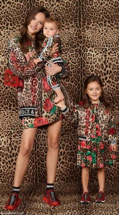 Super cute Dolce & Gabbana Mini Me Leopard & Rose Print Dress. Adorable mommy & me look from the Spring Summer 2019 Collection. Dolce & Gabbana, Dolce And Gabbana Kids, Rose Print Dress, Rose Dress, Work Fashion, Kids Fashion, Geranium Dress, Girls Designer Clothes, Girls Special Occasion Dresses