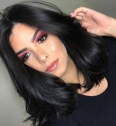 Looking for the best way to bob hairstyles 2019 to get new bob look hair ? It's a great idea to have bob hairstyle for women and girls who have hairstyle way. Auburn Hair Dye, Medium Hair Styles, Short Hair Styles, Langer Bob, Black Curly Hair, Short Bob Hairstyles, Black Hairstyles, Great Hair, Ombre Hair